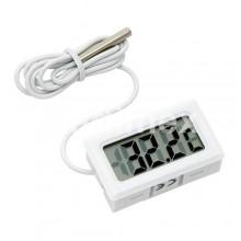 Цифров термометър TH011